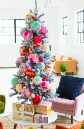 pom-pom christmas tree