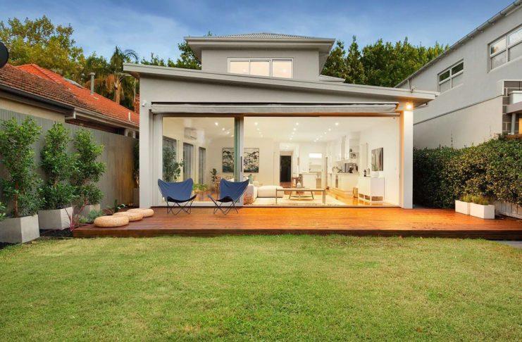 backyard outdoor decking